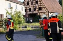 Randalierer besetzten das Grundstück und ließen die Einsatzkräfte nicht zu den Verletzten.